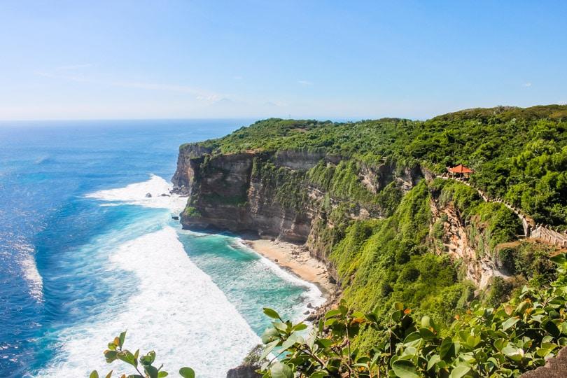 Bali Guide - Uluwatu Monkey Temple