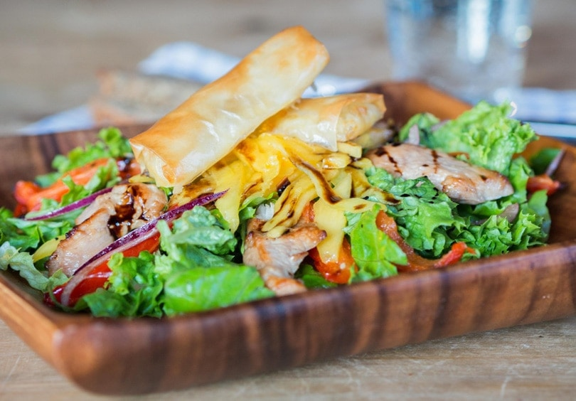 The best honey and balsamic chicken salad with mango and mozzarella sticks