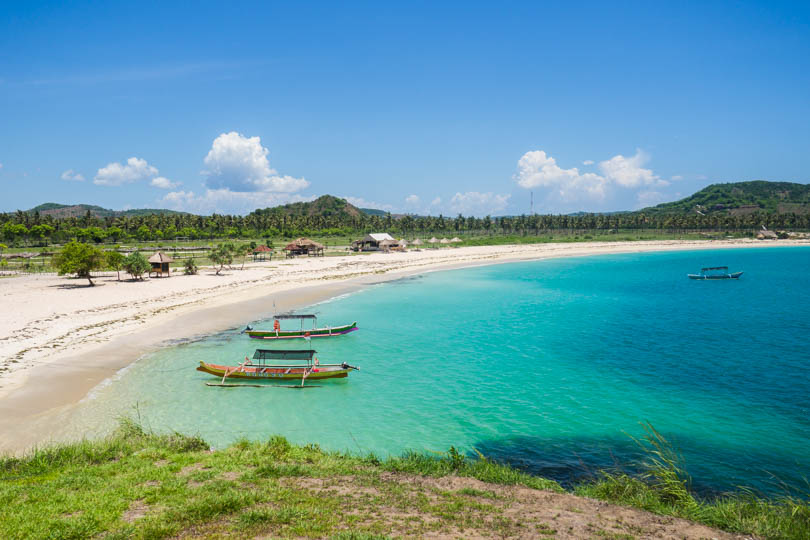 The incredibly beautiful Tanjung Aan Beach Lombok
