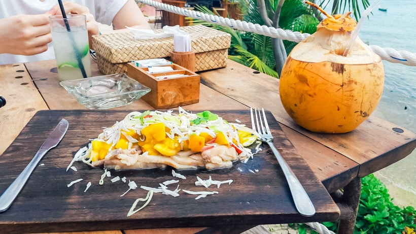 Lunch Le Pirate Beach Club Nusa Ceningan, Bali