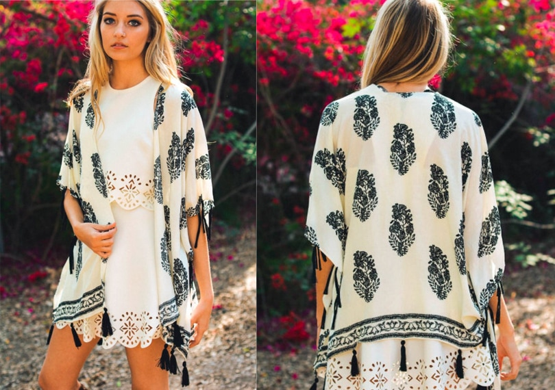 Gift ideas for travel girls - Number one travel item feather kimono