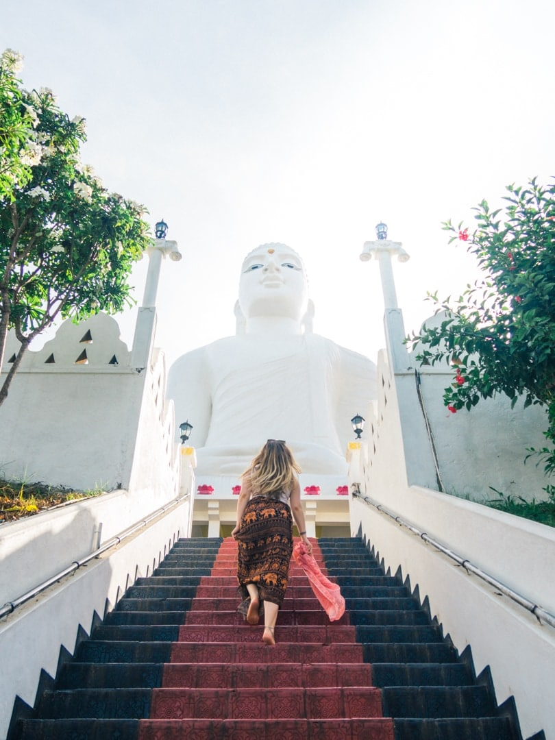 A quick guide to what to do in Kandy - Bahiravokanda Vihara Buddha Statue