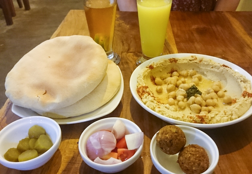 The best Arugam restaurants and hotels - Breakpoint restaurant