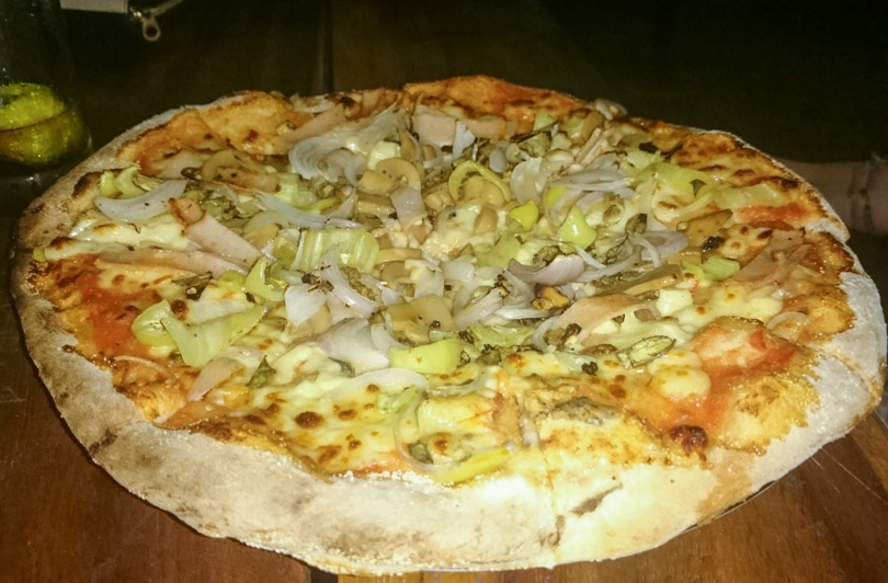 The best Arugam restaurants and hotels - Food Nest pizza restaurant