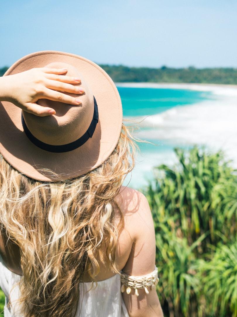 Talalla Beach, Sri Lanka - Bohemian girl