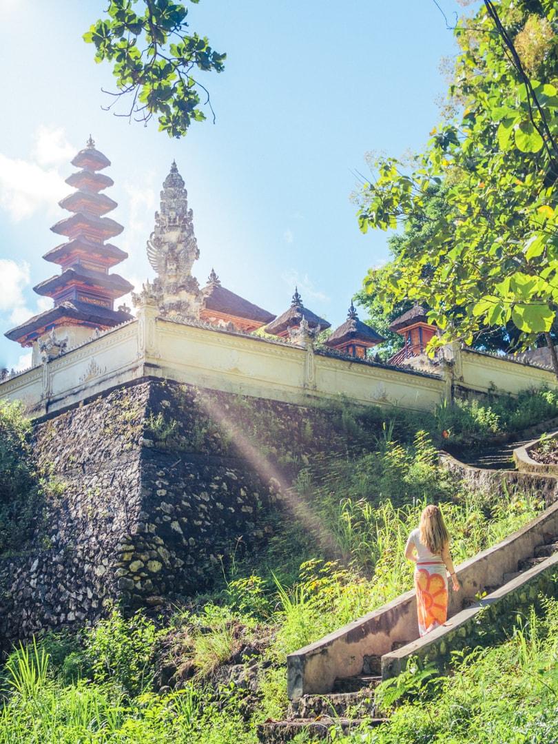 Nusa Penida visual travel guide - Indonesia beyond Bali - White temple