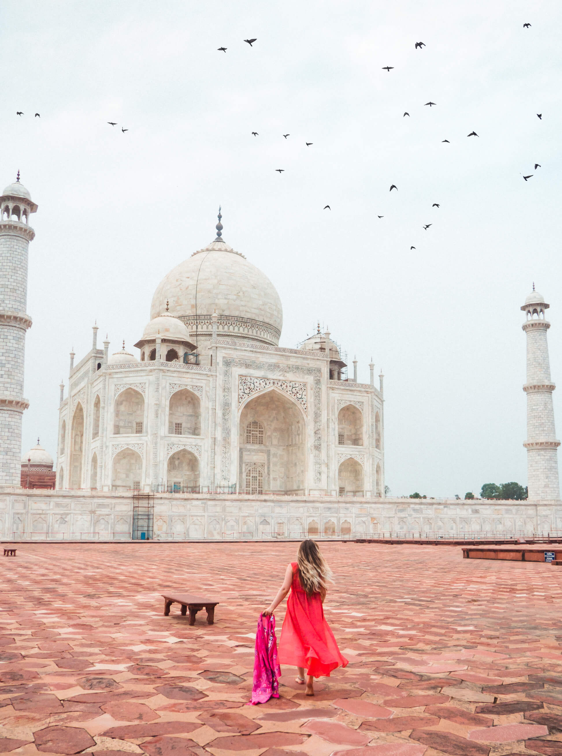 Taj Mahal photography tips - How to beat the crowds