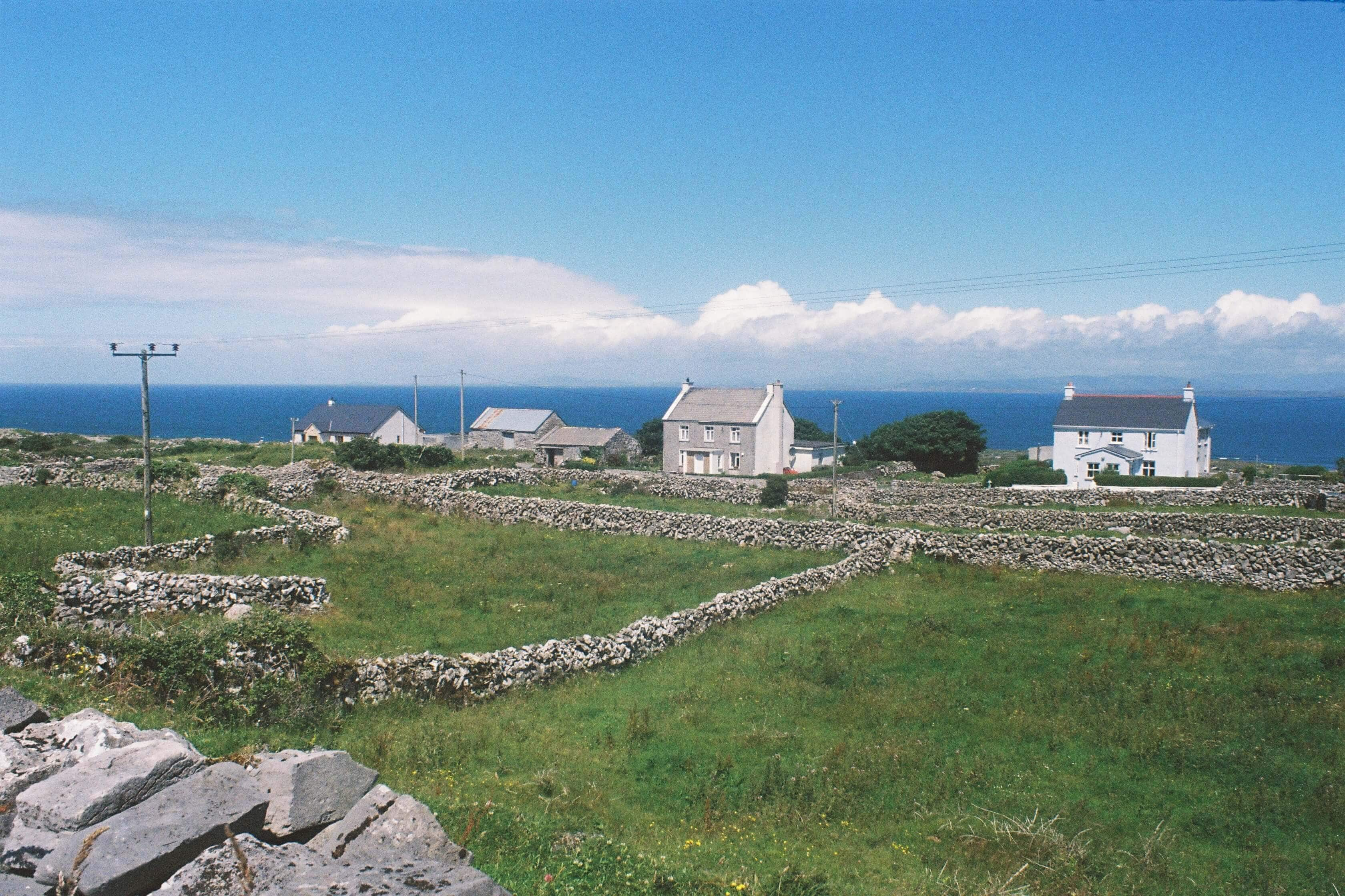 16 female travel bloggers reveal their favorite lesser-known islands - Aran Island outside Ireland #bucketlist