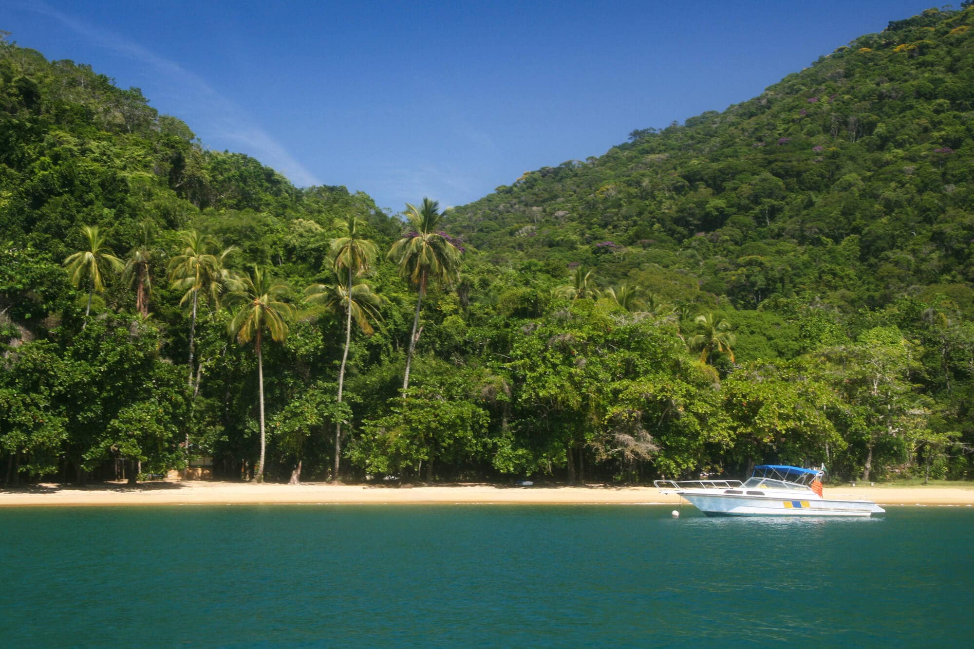 16 female travel bloggers reveal their favorite lesser-known islands - Ilha Grande, Brazil #bucketlist