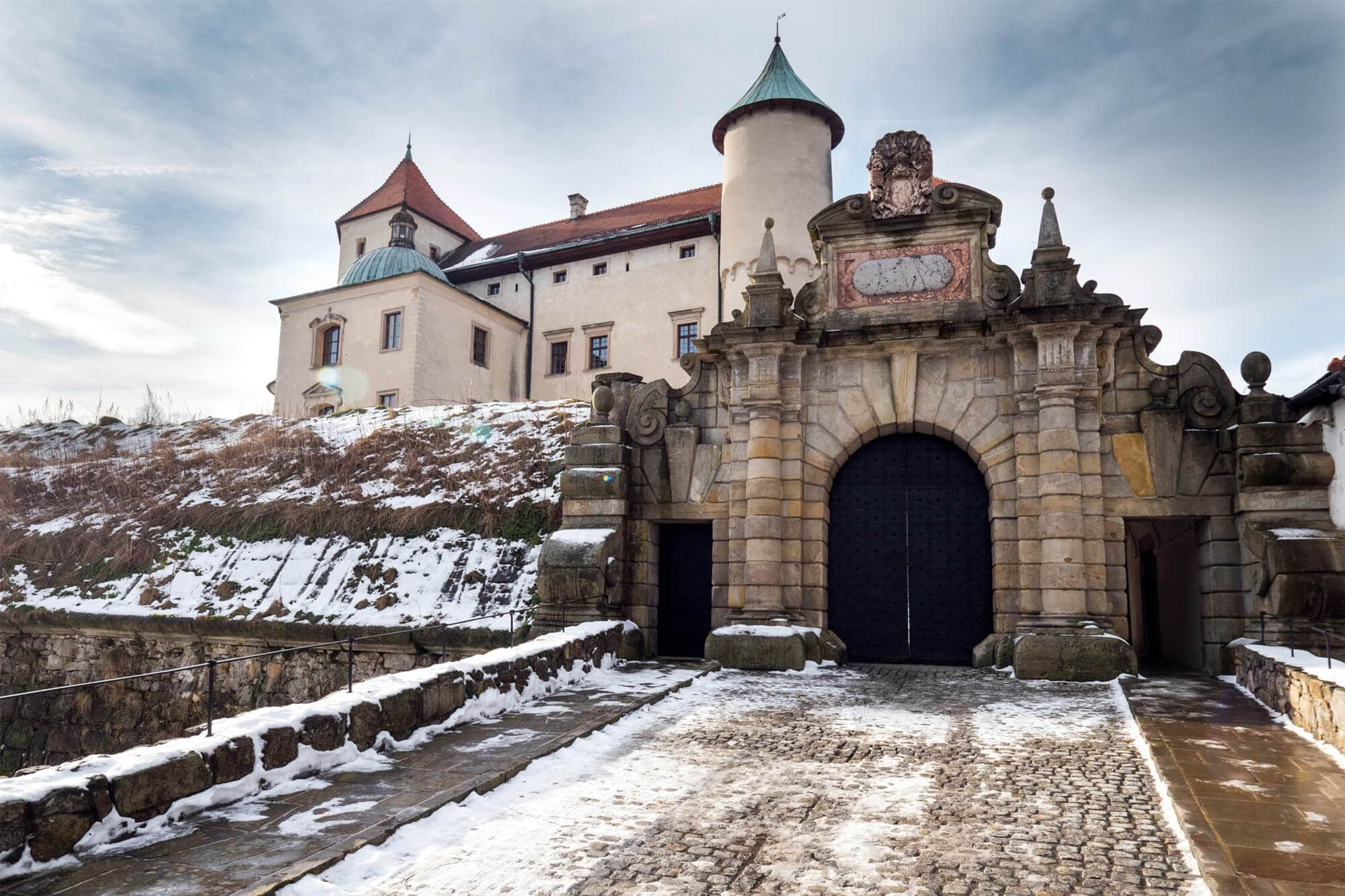 12 of the most beautiful castle in Poland you should add to your bucket list - Nowy Wisnicz Castle