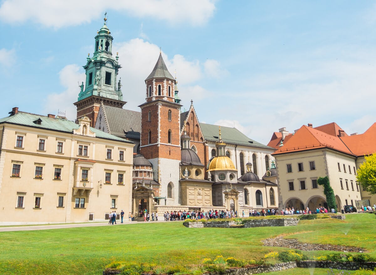 12 of the most beautiful castle in Poland you should add to your bucket list - Wawel Royal Castle & Cathedral Kraków