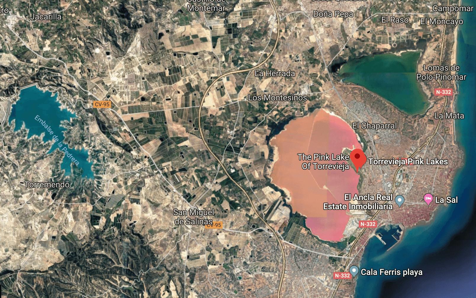Las Salinas de Torrevieja - Spain's two stunning pink salt lakes