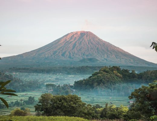 Bukit Cinta in East Bali - Where to find the best Mount Agung sunrise viewpoint #bali #bucketlist #eastbali #travelinspo #indonesia