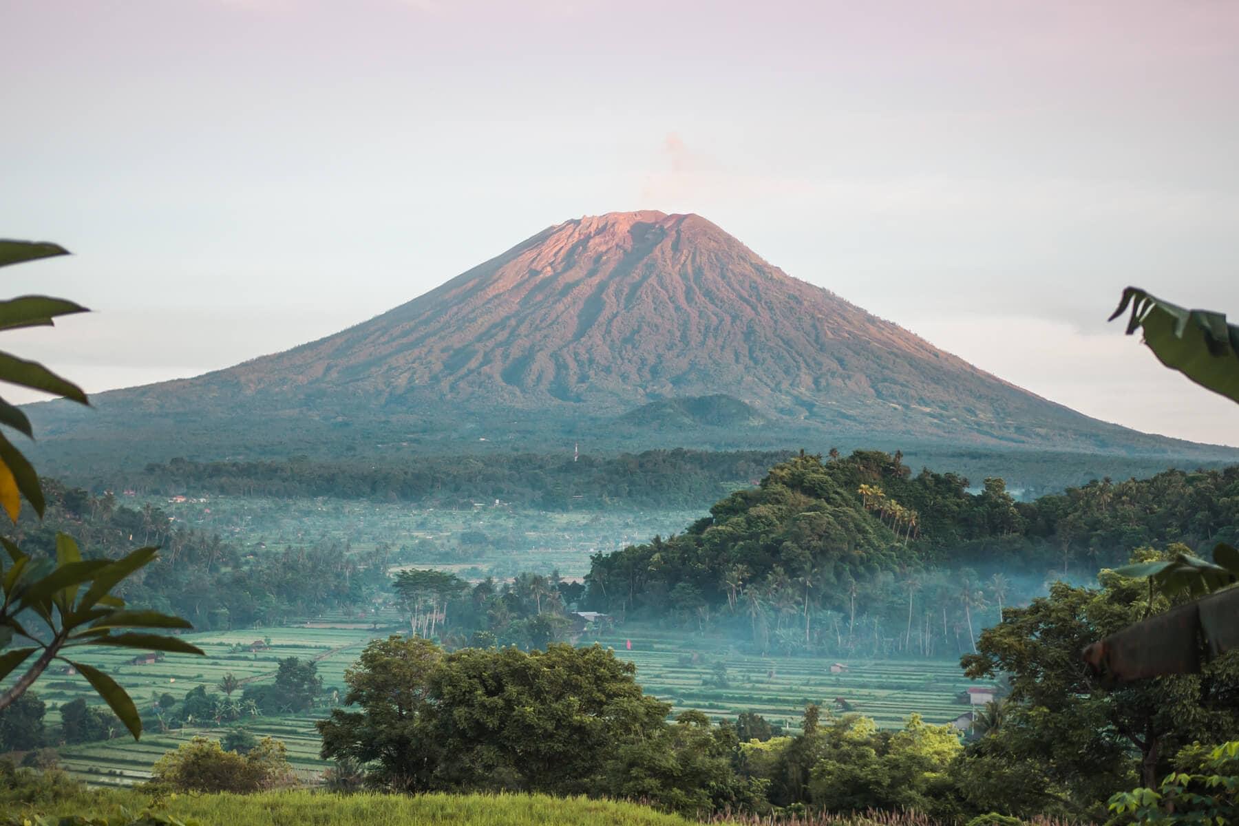 Bukit Cinta in East Bali - Where to find the best Mount Agung sunrise viewpoint #bali #bucketlist #eastbali #travelinspo #indonesia
