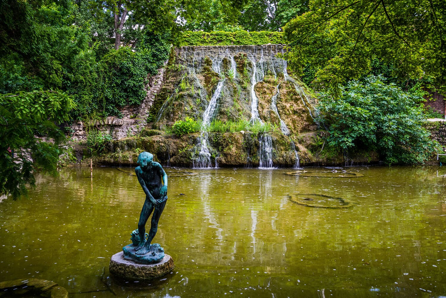 Budapest Instagram photo guide - Waterfall on Margaret Island