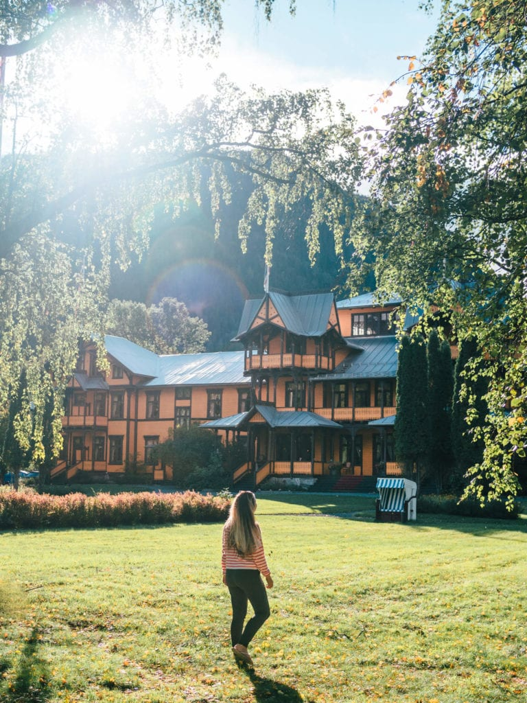 Best places to see and things to do in Norway - The majestic Dalen Hotel in Telemark #bucketlist #travelinspo #norway #dalen #telemark