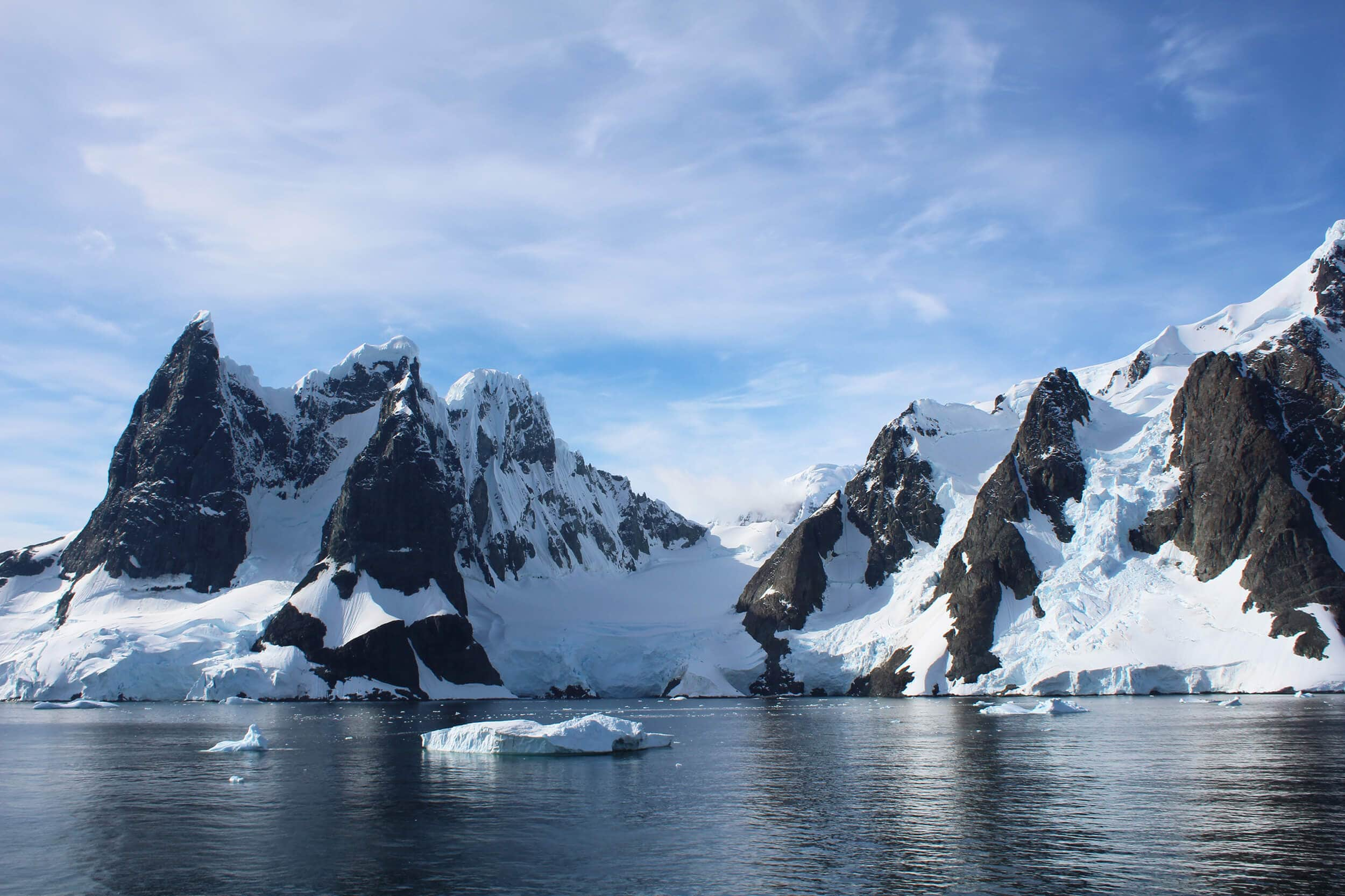 Travel bloggers reveal their favorite experiences in the world - Exploring and camping in Antarctica